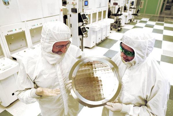 Корпорация IBM представила рабочие прототипы 7-нм чипов - 3
