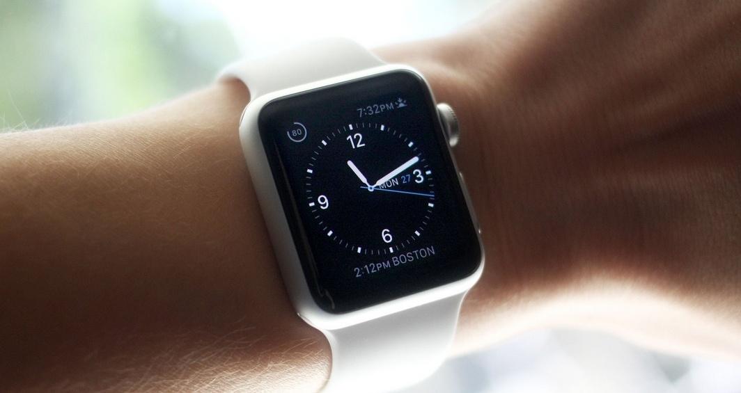 Владелец торговой марки iWatch подал на Apple в суд - 1