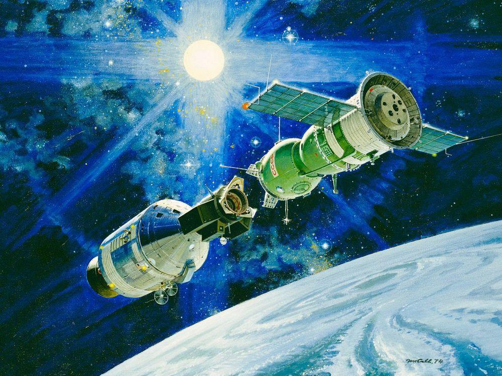 40 лет со дня первой стыковки Союза и Аполлона - 8