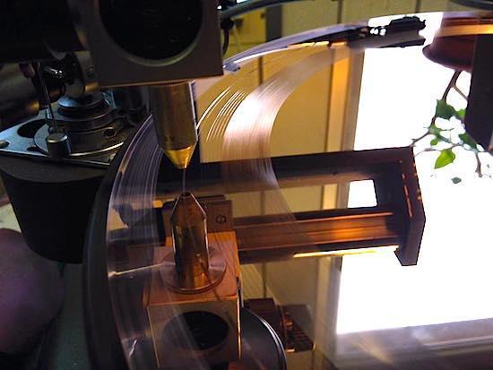 Как работает крупнейшая фабрика виниловых пластинок - 4