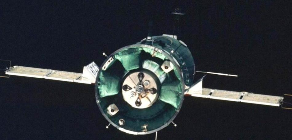 Такие похожие и такие разные «Союз» и «Аполлон» - 13