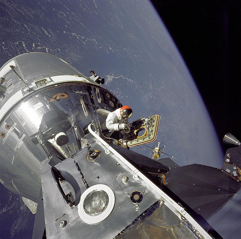 Такие похожие и такие разные «Союз» и «Аполлон» - 21
