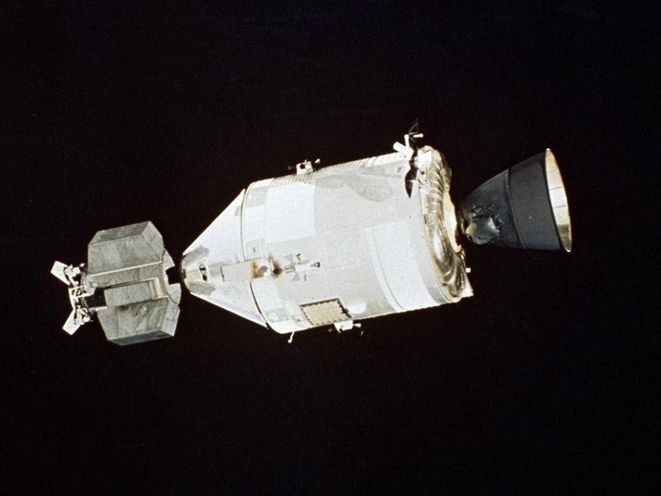 Такие похожие и такие разные «Союз» и «Аполлон» - 6