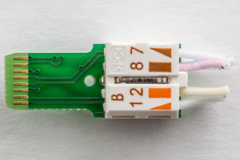 Журналисты ресурса Ars Technica разобрались, что внутри у дорогого аудиофильского ethernet-кабеля - 11