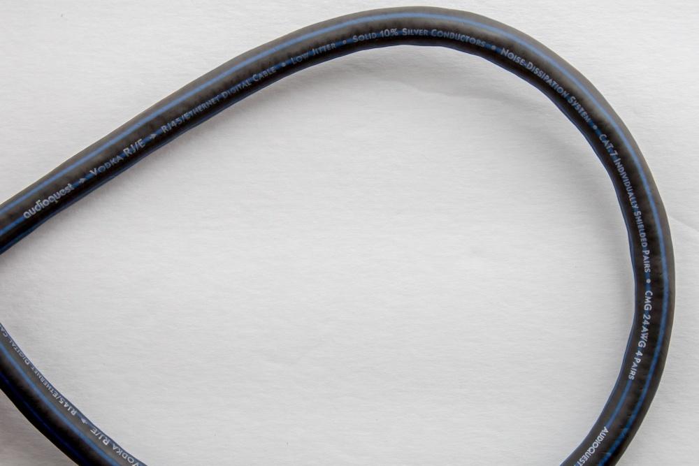 Журналисты ресурса Ars Technica разобрались, что внутри у дорогого аудиофильского ethernet-кабеля - 5