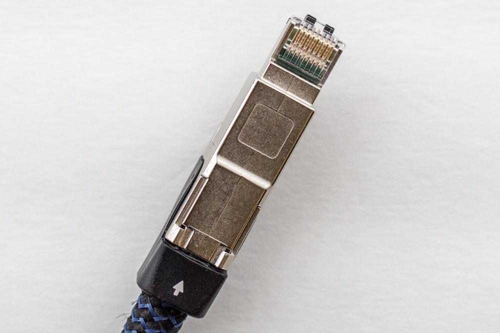 Журналисты ресурса Ars Technica разобрались, что внутри у дорогого аудиофильского ethernet-кабеля - 7