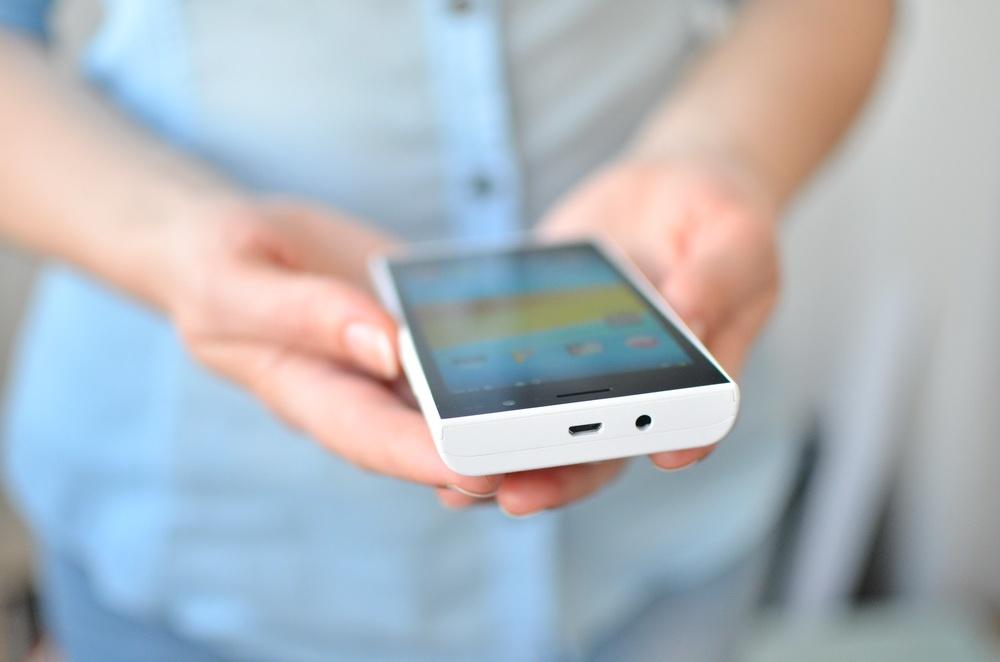 [Женский взгляд] Смартфон DEXP Ixion XL145 Snatch с батарейкой на 4000 мАч - 6