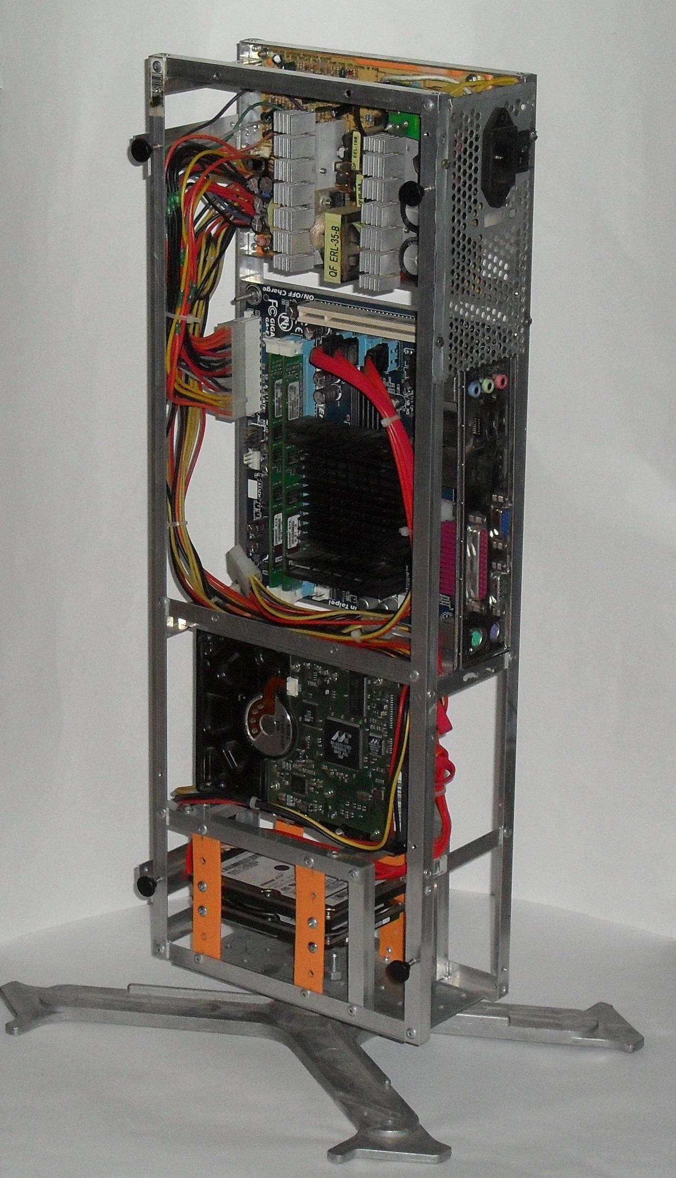 Еще один сервер из подручных средств с претензией на красоту - 22