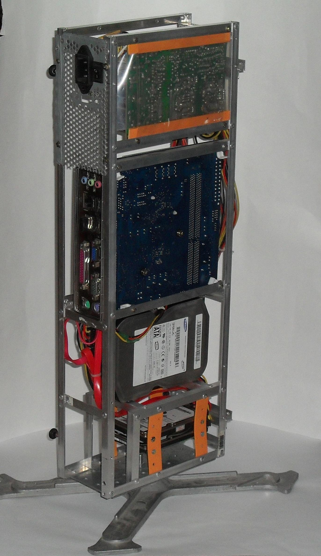 Еще один сервер из подручных средств с претензией на красоту - 24