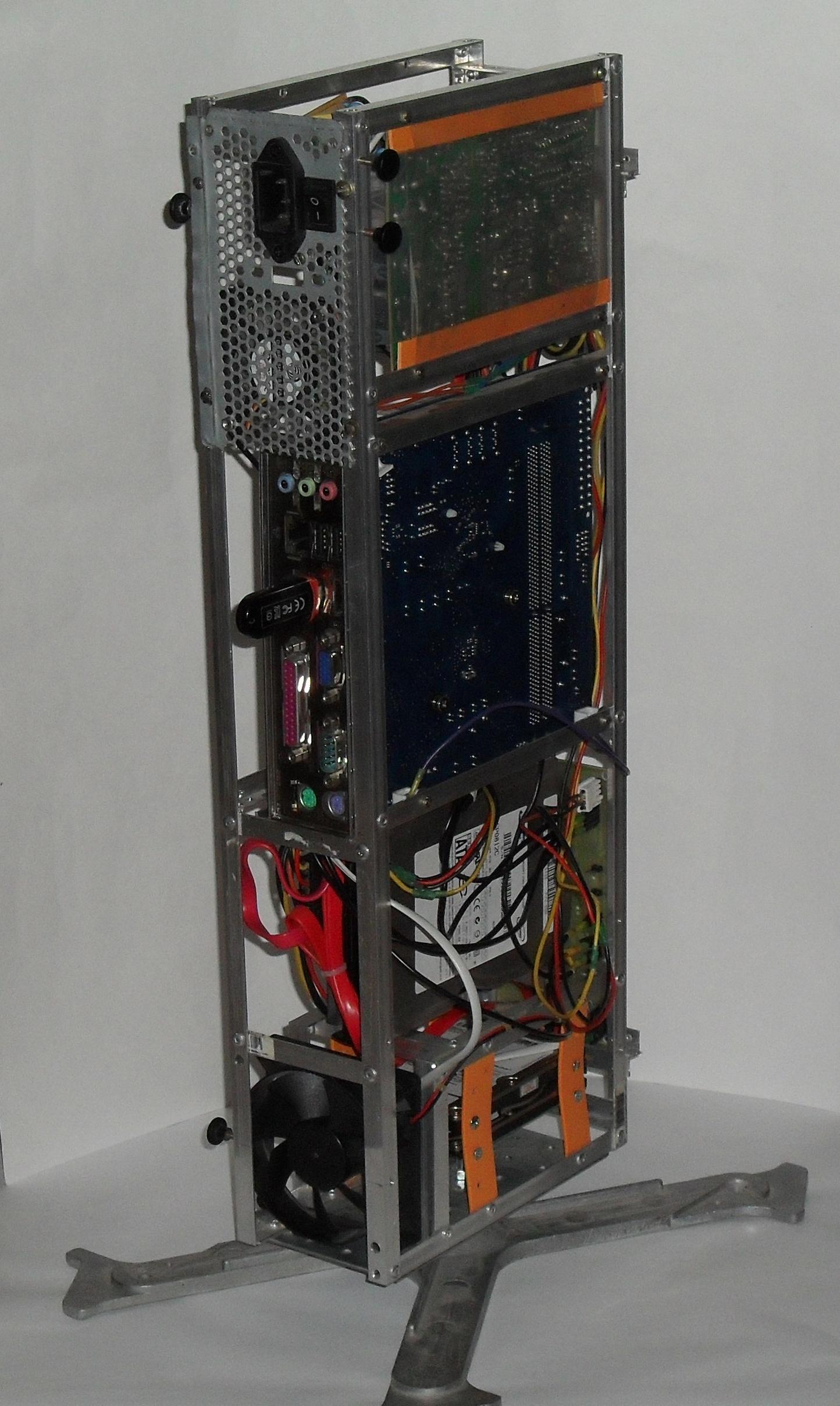 Еще один сервер из подручных средств с претензией на красоту - 30