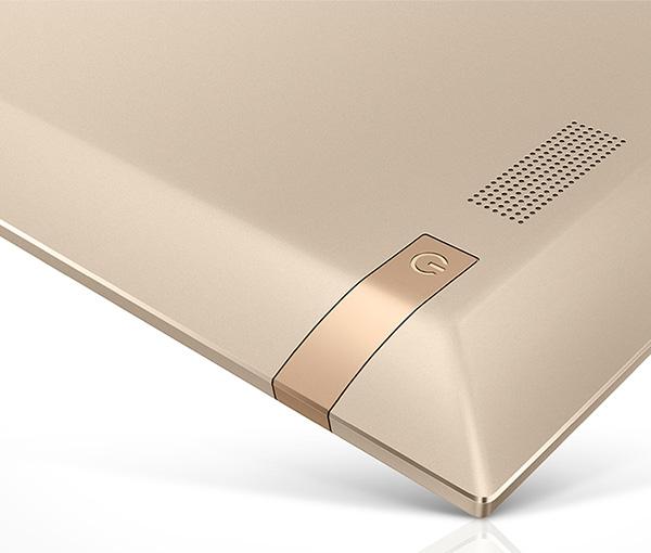 Экран занимает 90% площади фронтальной панели планшета Hisense Vidaa Mirror - 3