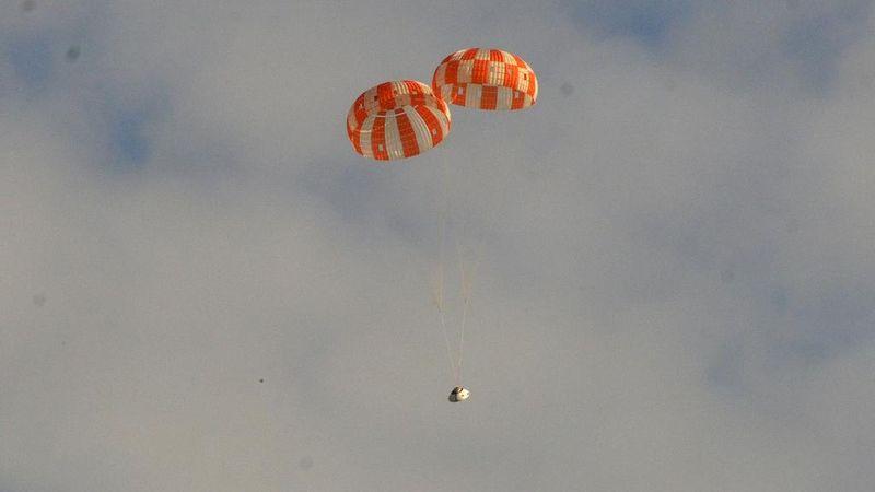 Космический корабль в пустыне: как прошло приземление капсулы Orion? - 1