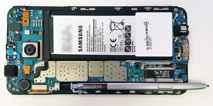 Разборка позволила понять, что происходит, если вставить перо в смартфон Samsung Galaxy Note5 задом наперед - 1
