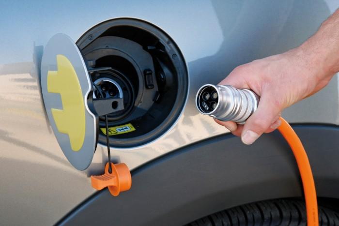 Все автомобили BMW перейдут на электрическую тягу в течение десяти лет - 4