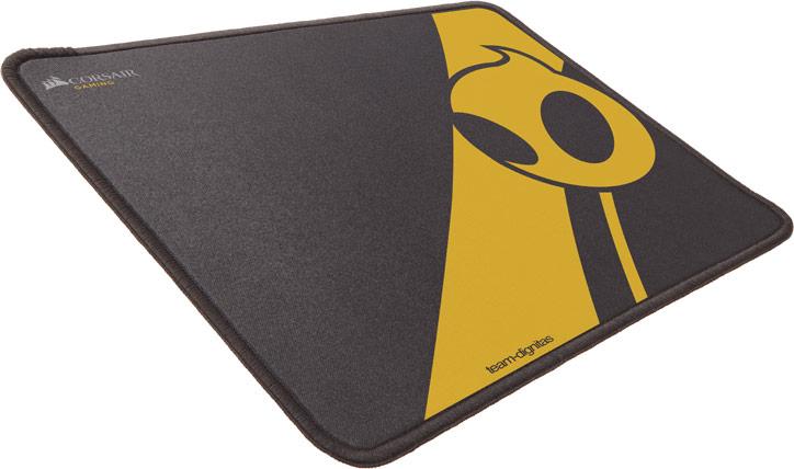 Одновременно представлен коврик MM300 Anti-Fray Mouse Mat, Team Dignitas Edition
