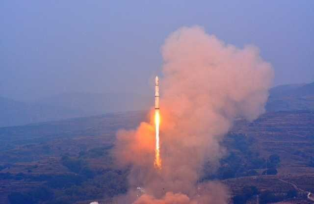 «Великий поход-6» вывел на орбиту студенческие микроспутники Китая - 1