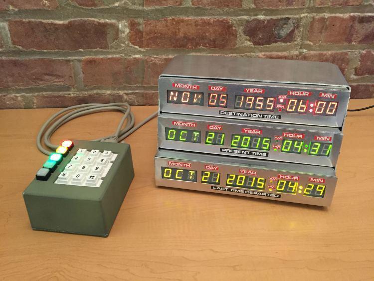 Часы-будильник в стиле «Назад в будущее» - 1