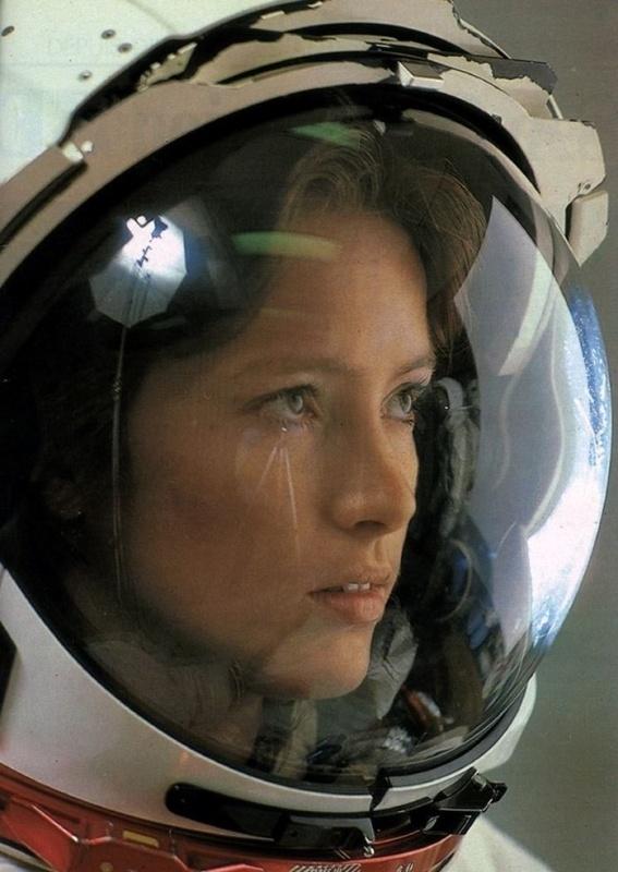 Женщины и Космос или просвещение планеты Задержка Развития - 1