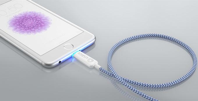 О текущем состоянии зарядки моментально позволяет судить светодиодный индикатор, совмещенный с разъемом UsBidi
