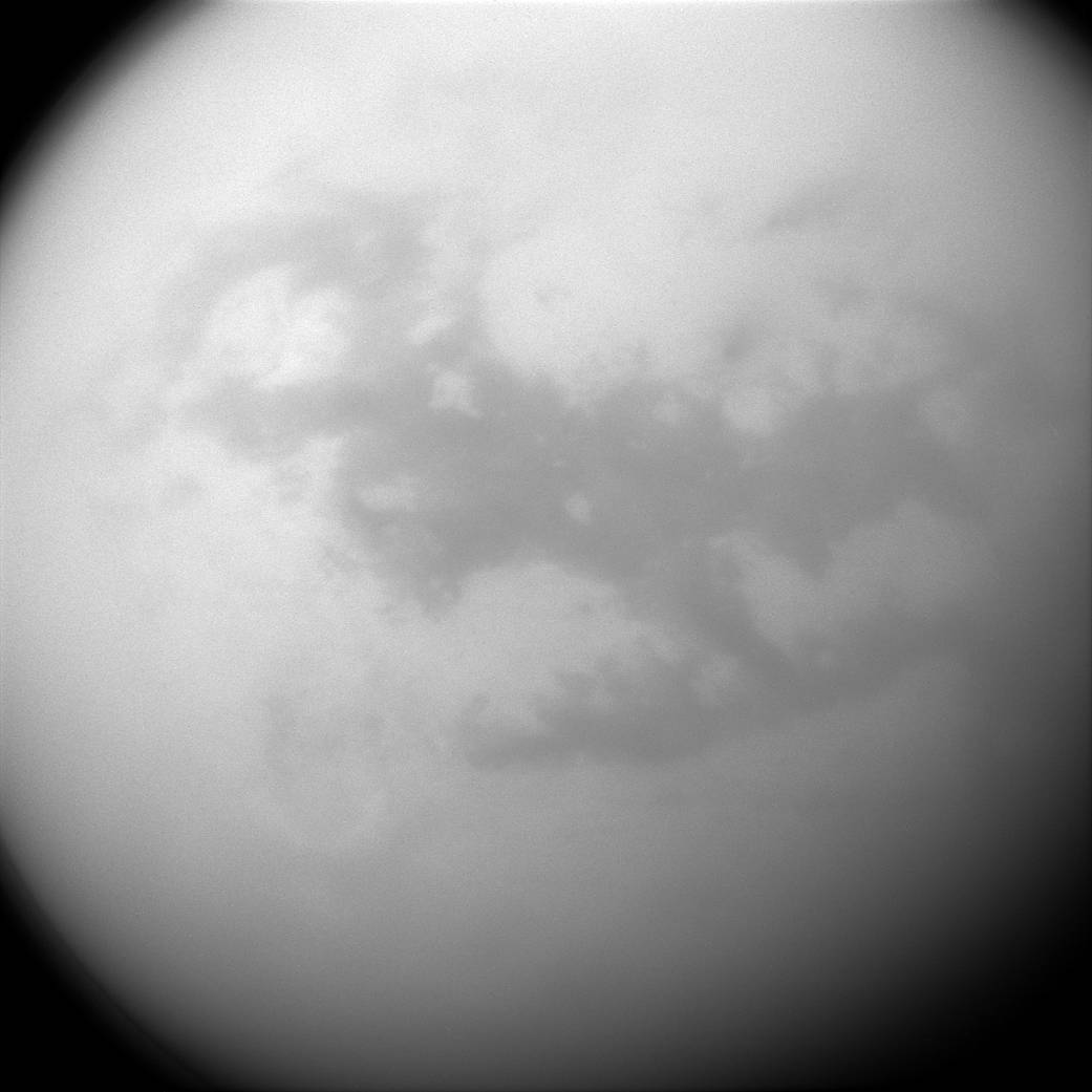 На Титане обнаружили дюны из метана - 1