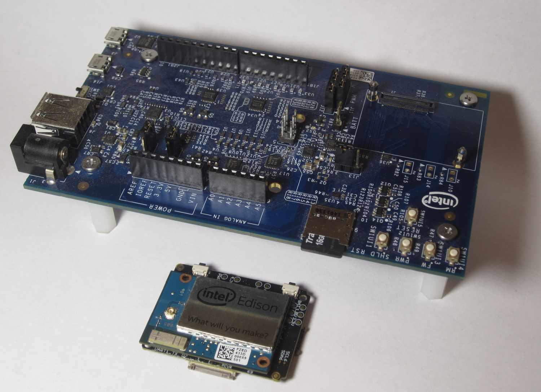 Обзор набора Xadow Wearable Kit для Intel Edison и создание странной игры на его основе - 1