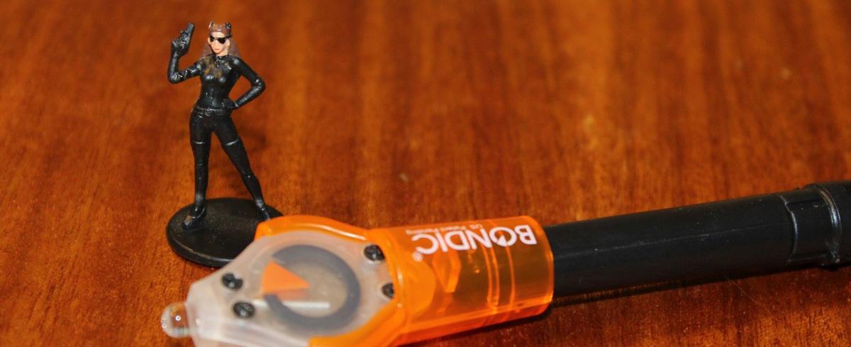 Bondic — светоотверждаемый пластик для мелкого ремонта - 1