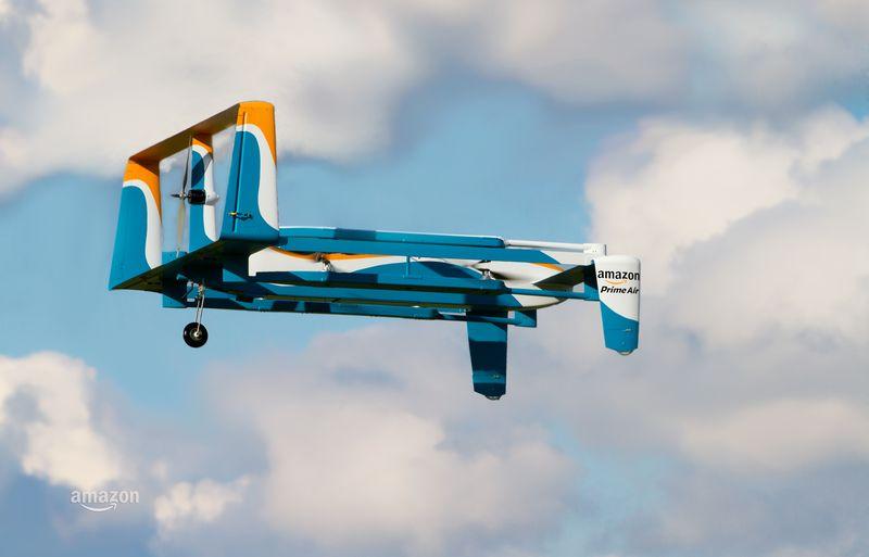 Amazon показала доставку товаров дронами в новой рекламе с Джереми Кларксоном - 1