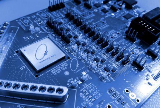 Интерфейс Glasswing с пропускной способностью 1 Тбит/с для связи между кристаллами потребляет менее 1 Вт