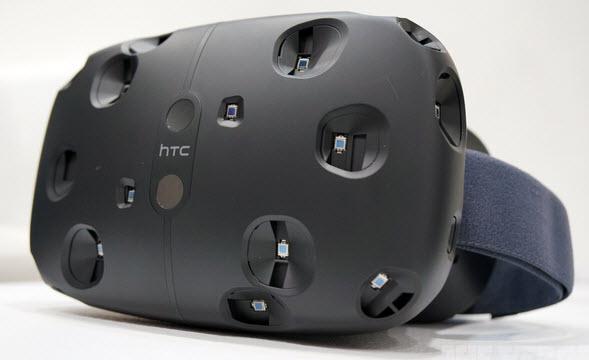 Шлем виртуальной реальности HTC Vive поступит в продажу в апреле 2016