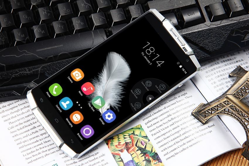 K10000 — смартфон, аккумулятора которого хватает на неделю работы - 1
