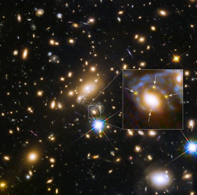 Дежа вю. «Хаббл» повторно заснял взрыв сверхновой Refsdal - 2