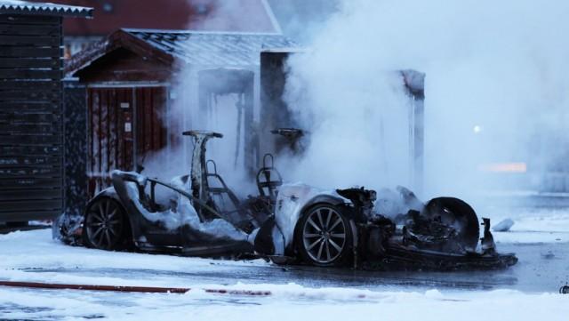 Tesla Model S Fire Norway