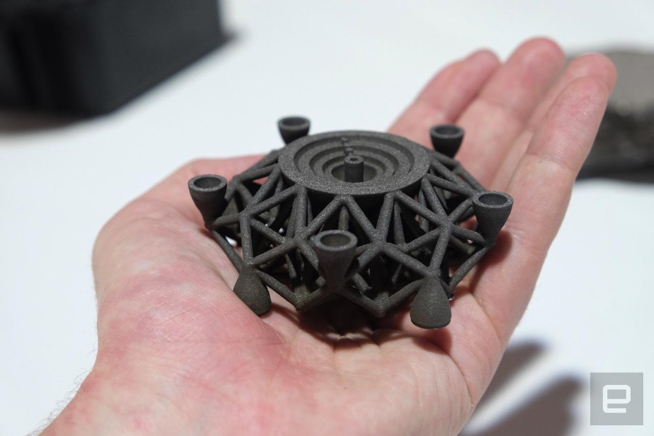 На 3D принтере распечатали первый в мире объект из металла внеземного происхождения - 2