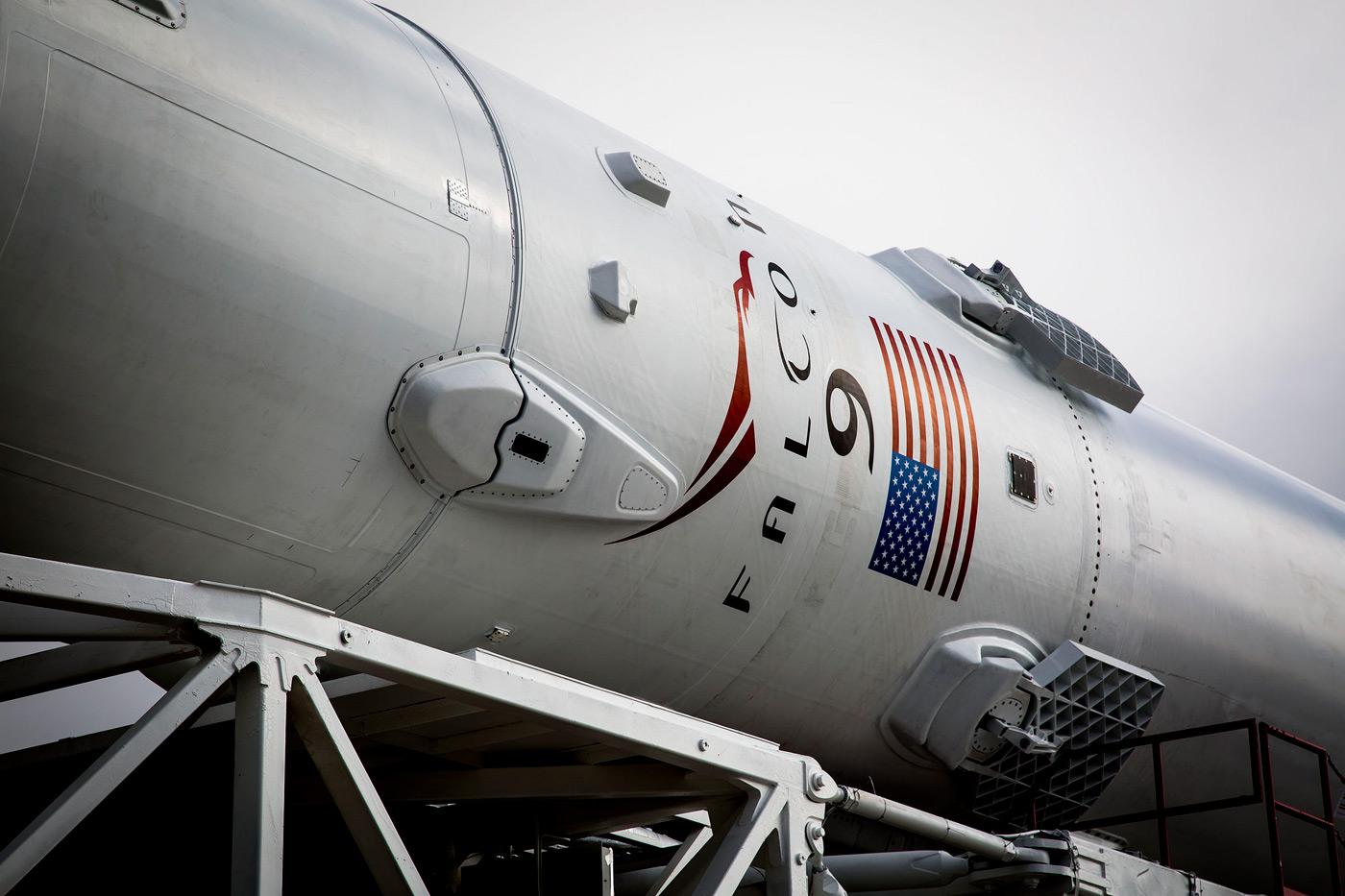 SpaceX снова пробует посадить первую ступень Falcon 9 на морскую платформу [Запуск успешен, посадка нет] - 1