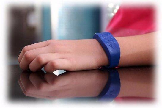 Создан «умный» браслет для детей-аллергиков