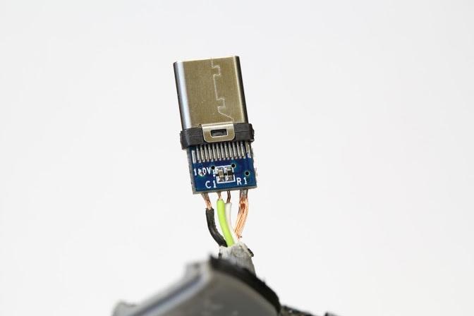 В интернет-магазинах продаются кабели USB-C, которые могут повредить ноутбук - 1
