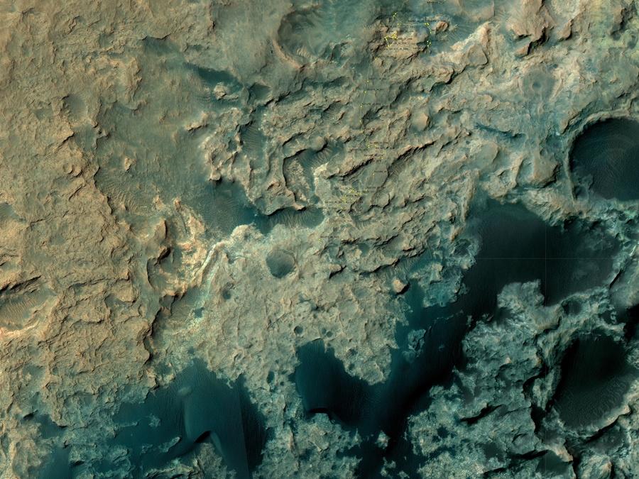 Марсоход Curiosity изучает темные дюны - 3