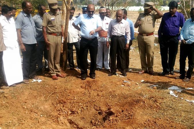 Специалисты изучают «метеорит», убивший человека в Индии - 1