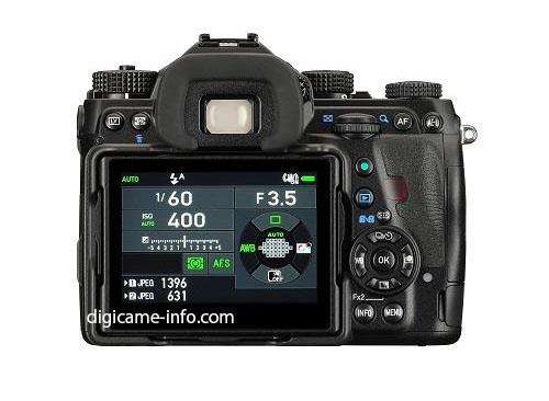 При габаритах 136,5 x 110 x 85,5 мм камера Pentax K-1 будет весить 925 г