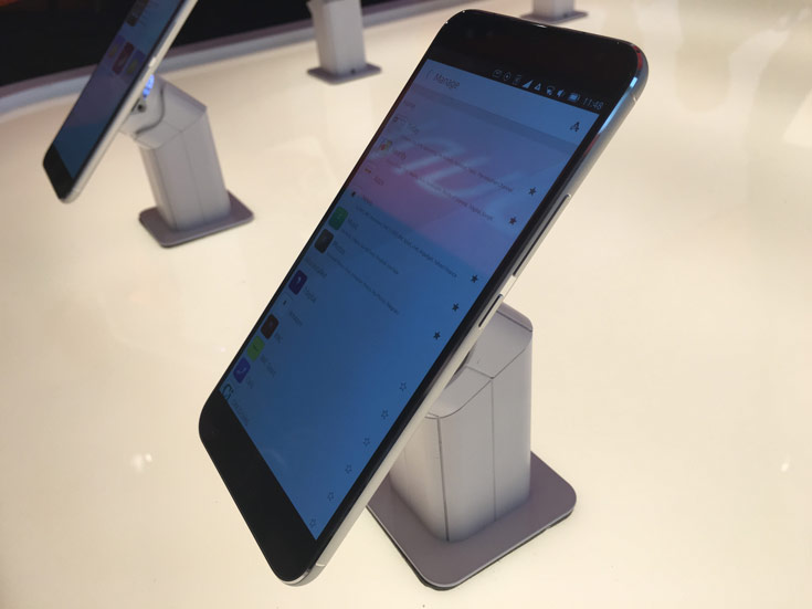 Смартфон Meizu Pro5 Ubuntu Edition имеет два слота для карточек SIM