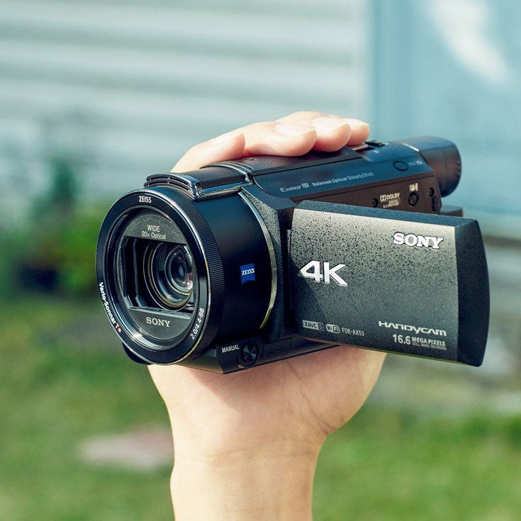 Видеокамера Sony Handycam FDR-AX53 поддерживает видео 4К