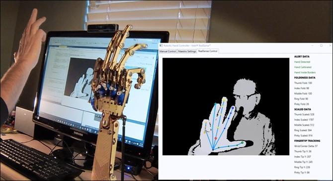 Управление роботизированной рукой с помощью камер Intel RealSense - 1