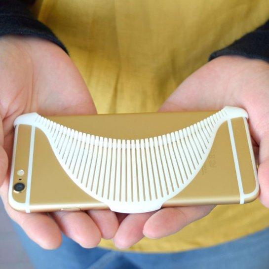 Японцы создали чехол в виде ската для iPhone