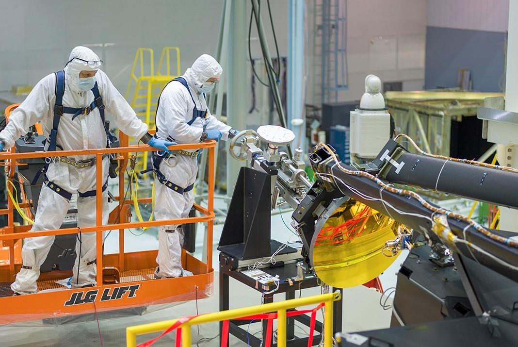 На телескоп Джеймса Уэбба установили вторичное зеркало - 1