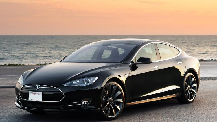 Владелец Tesla Model S оштрафован властями Сингапура за превышение нормы по выбросам СО2 - 1