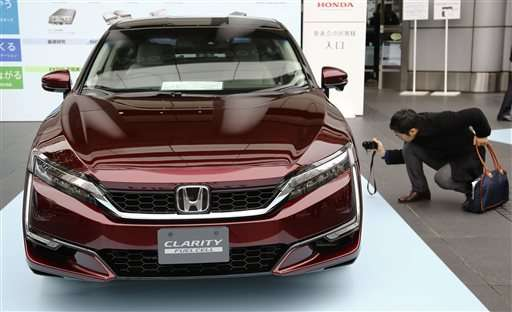 Honda выпустила собственный автомобиль на водородных топливных элементах - 2
