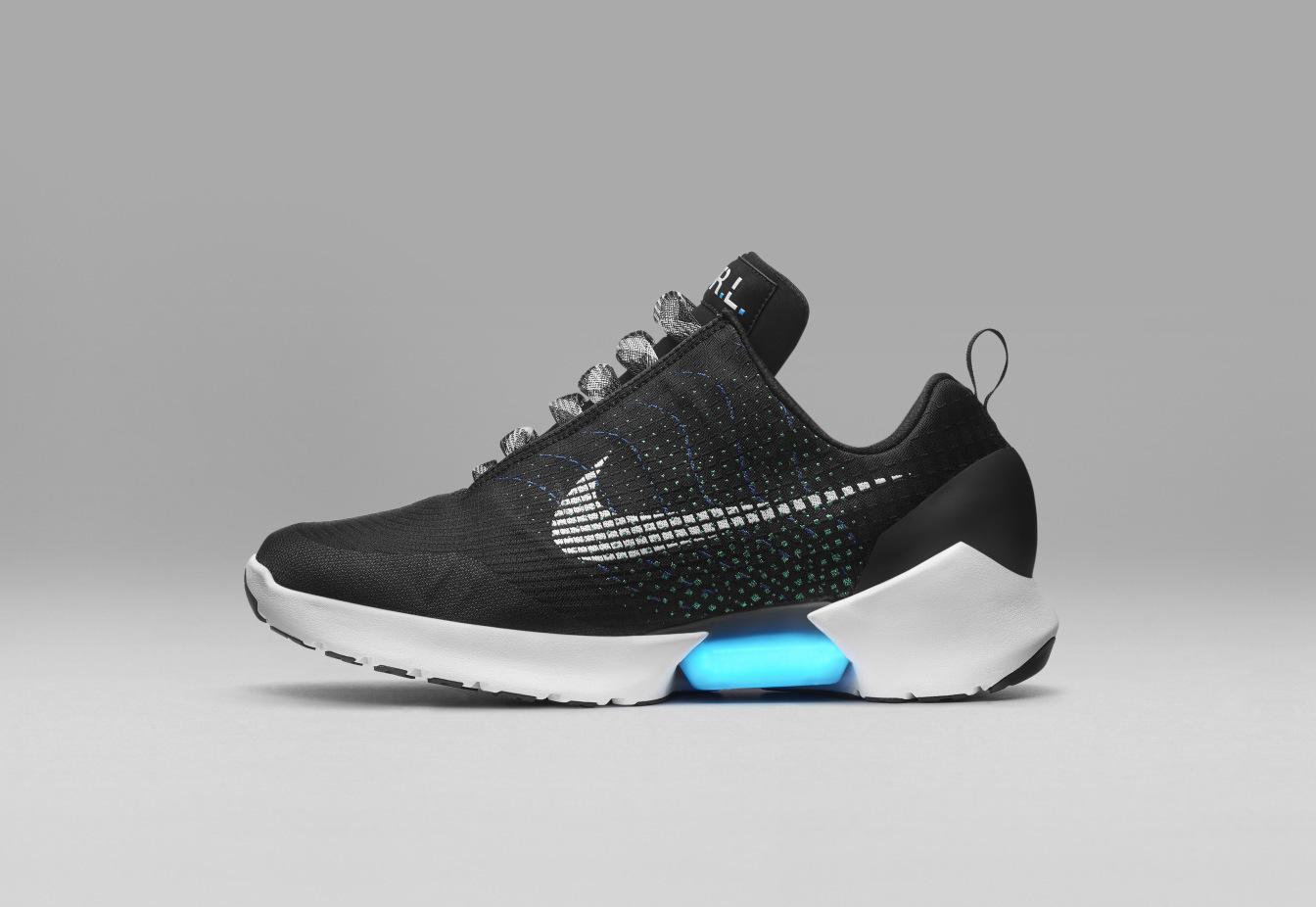 Nike представила кроссовки с «автоматической шнуровкой», продажу которых планирует наладить в этом году - 1