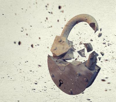 Security Week 12: ФБР взломает айфон без помощи Apple, криптодыра в iMessage, шифровальщики в больнице - 1