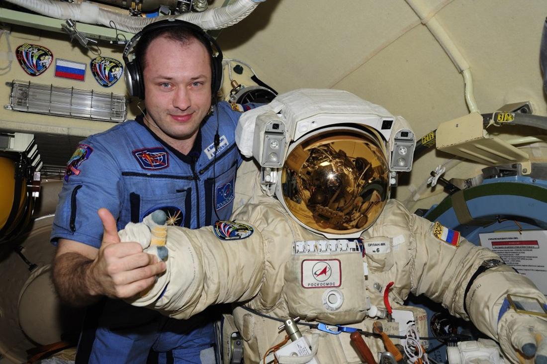 Дайте космонавту и герою Космонавта и Героя - 1