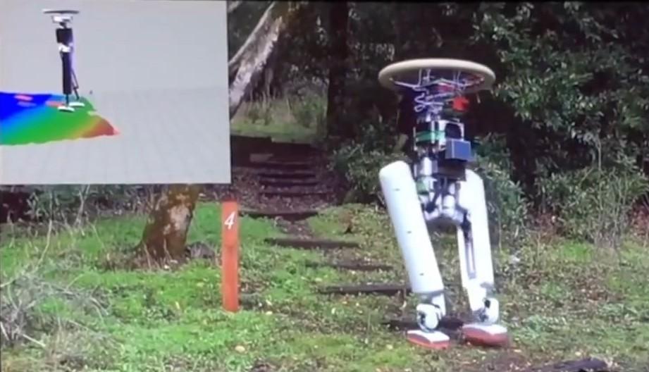 Двуногий робот Schaft носит тяжести по лестнице. Грузчикам пора искать новое занятие - 2